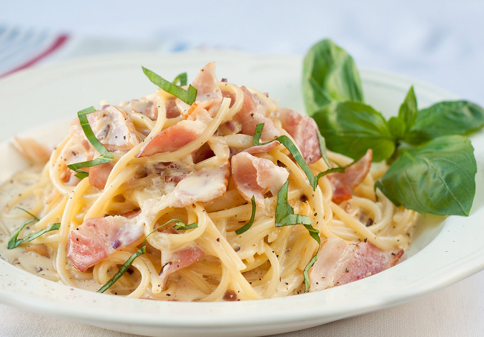 Easy Dinner Recipe: Carbonara